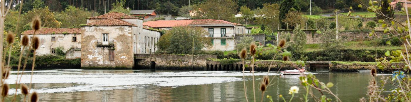 Este éun muíño de mareas de finais do século XVIII.